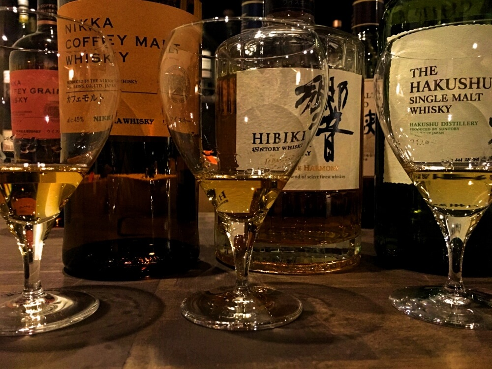 Whisky, line-up at Gion