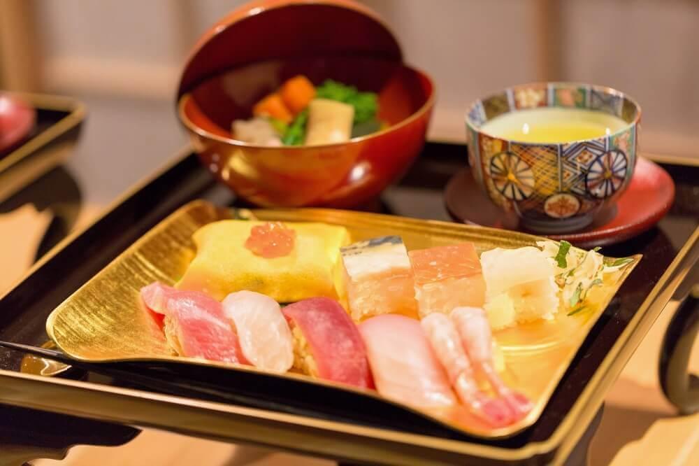 Suigian sushi set